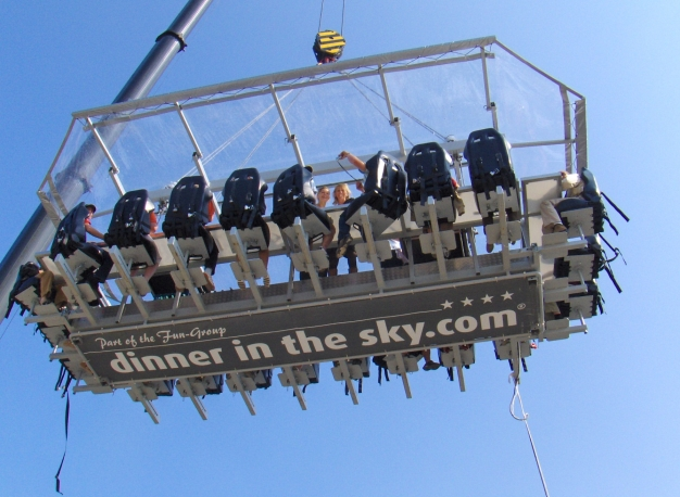 diner in the sky, event catering, evenementen, livecooking experience, livegekookt catering, catering rotterdam,